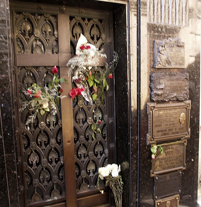 Tomb of Eva Peron Kalin's Chronicles:  Limo Wine Tours